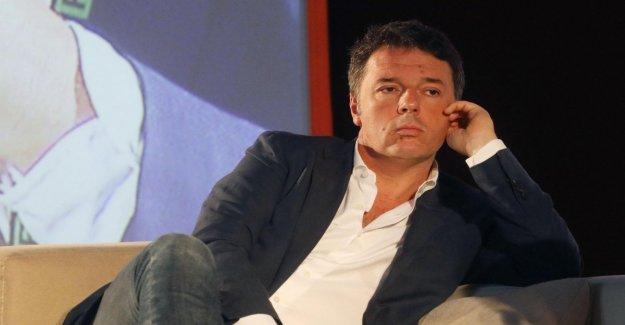 Maniobra, Renzi apoya la moneda digital: reducir a la Mitad las tasas de tarjetas de crédito