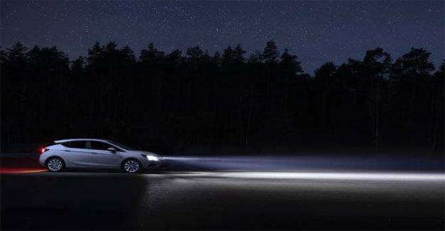 Opel, la tecnología IntelliLux matriz de Led para derrotar a la oscuridad
