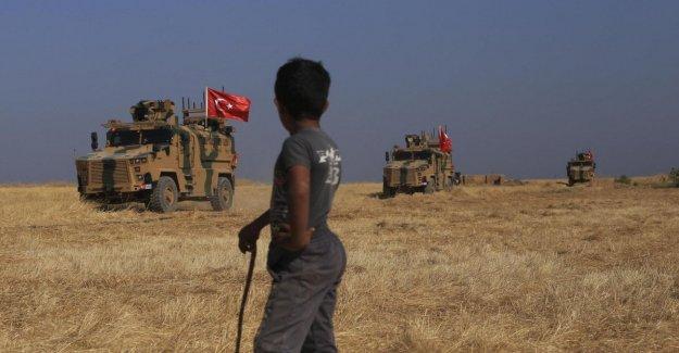 Turquía, todo listo para la operación militar en Siria: las tropas de Ankara fortalecerá al oeste del Eufrates