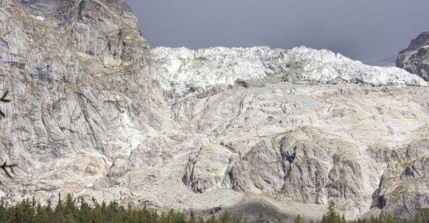 Vuelva a abrir para los turistas en el camino de la Val Ferret, bajo el glaciar