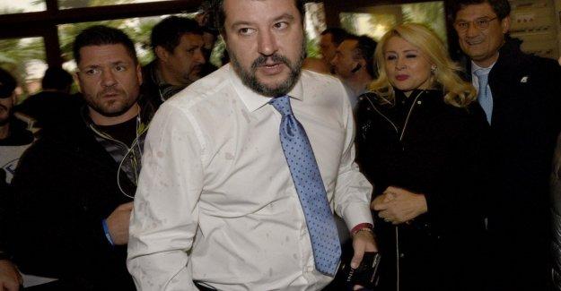 Alexa, pedir Salvini:, y el servidor de Amazon transmite los discursos del líder de la liga