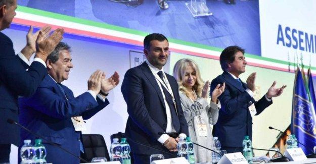 Anci, Antonio Decaro (Pd) reelegido por aclamación como el alcalde de la italiana alcaldes': le Damos a Italia el derecho