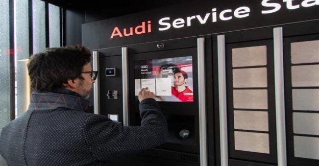 Audi Estación de Servicio: el mantenimiento de una mano