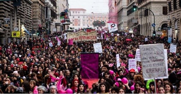 Bancos rojo, desfiles, exposiciones fotográficas: un 25 de noviembre de iniciativas en el conjunto de Italia
