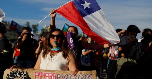 Chile: miles de personas en la plaza a la marcha y, el más grande de todos'