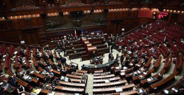 El corte de los parlamentarios, la mayoría consideró que el acuerdo en la primera reformas constitucionales