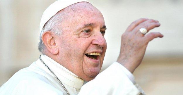 El vaticano, un centenar de estudiosos contra el papa Francisco: que los actos sacrílegos y supersticiosos
