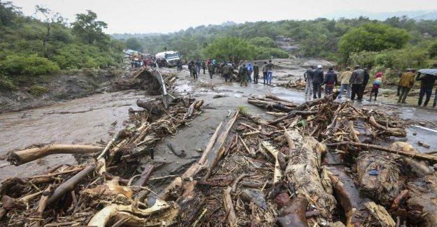 En Kenya, las lluvias no paran, y los deslizamientos de tierras envuelve pueblo: al menos 29 muertos