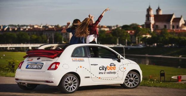 Fiat 500 llega en coche compartido en estados Bálticos