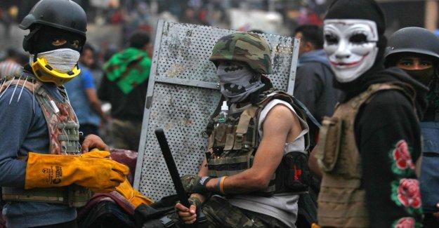 Irak, la rebelión contra el gobierno: las fuerzas de seguridad de fuego contra los manifestantes, al menos 14 muertos en Nassiriya