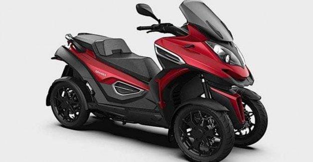 Los Scooters de tres y cuatro ruedas, y tangenciales accesorios abierto