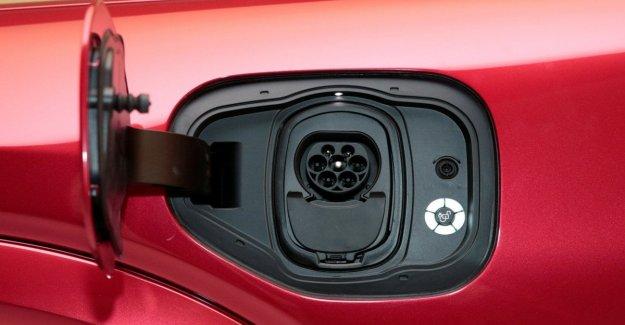 Los conductores noveles: sólo el 13% sueño de los coches eléctricos