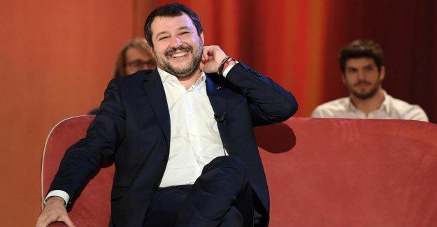 Los migrantes, la corte de ministros exonera a Salvini: este es el barco en el Estado de la primera toma de contacto