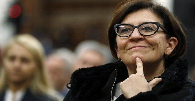 M5s para el ataque del ex ministro de Treinta: insuficiencia de las Explicaciones, de salir de la casa. Y ella dijo, Es todo lo suave