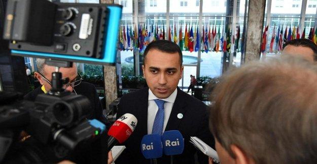 Mes, el 5 Estrellas, el Movimiento de llamadas para una cumbre de la mayoría: El Parlamento no puede permanecer en la oscuridad