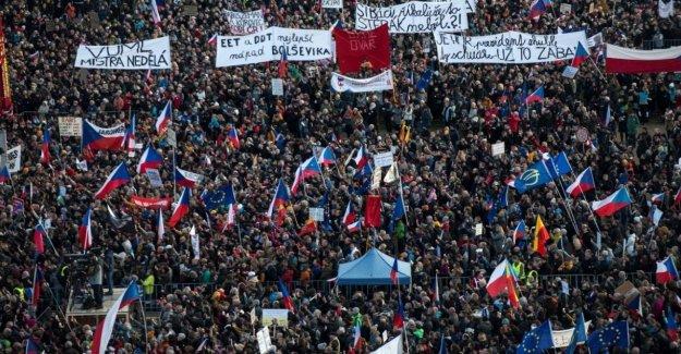 Praga, la generación de terciopelo en la plaza contra los Babis