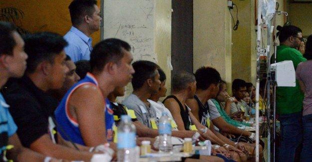 En filipinas, la masacre de el licor de coco: al menos 8 muertos y 300 hospitalizado