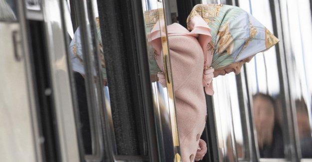La Navidad solitaria de la reina Isabel: Felipe en el hospital y Meghan en Canadá con Harry y Archie