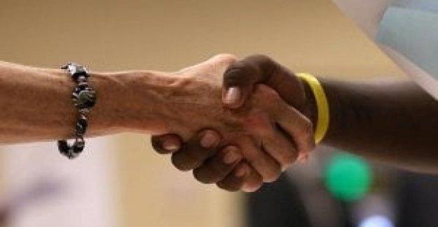 La cooperación, las empresas privadas parecen estar involucrados, es la herramienta llamada no funciona?