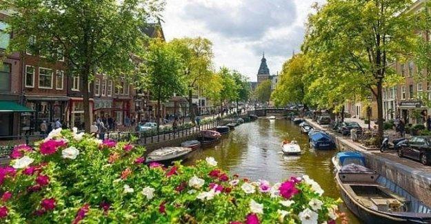 Nunca más los países Bajos, sólo los países Bajos. Los cambios de gobierno: lo Más correcto