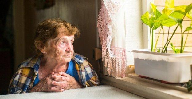 Personas de edad, el pico de las peticiones de ayuda en el número de teléfono gratuito de la Cruz Roja