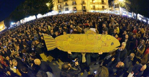 Sardinas, Prodi: Pedir tono civil, la gente está cansada de las tensiones.