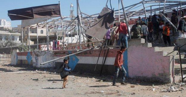 Yemen misil en el desfile militar. Al menos cinco muertos