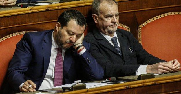 Coronavirus, Salvini: la apertura de las Fronteras, no puede el gobierno. Faraón (Iv): El Chacal. Orlando (Pd): Un vagabundo