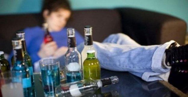 El Alcohol, el consumo excesivo de alcohol a los 13 años. Aquí es cómo evitar los riesgos