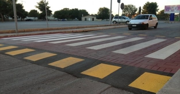 El camino de los cambios de código: existe la idea de los pasos de peatones, planteado en contra de los coches rápidos