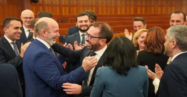 El gobierno, Bonafede elegido por aclamación como jefe de la delegación cinquestelle