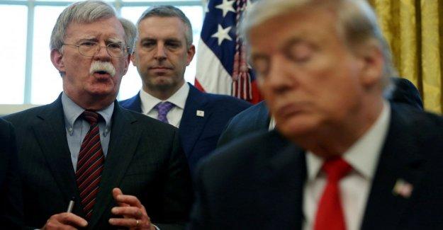 El juicio político, Bolton en un libro: el Triunfo de la vinculación de la ayuda a Kiev en la apertura de urnas Biden