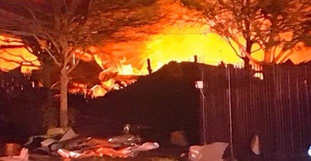 Estados unidos, potente explosión en una fábrica en Houston: los rescatadores en el sitio
