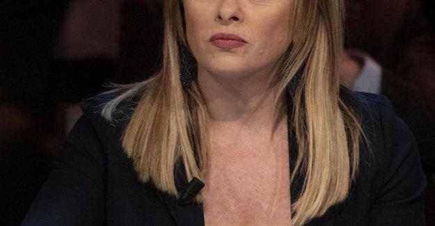 Giorgia Meloni: Aterrorizado por un acosador que ha amenazado a mí y a mi bebé!
