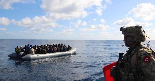 Libia, dos naves turcas frente a la costa de Trípoli. La tregua fallida