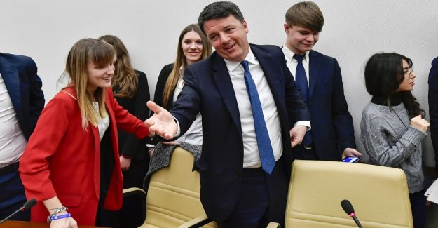 Renzi: Emilia ha ganado Bonaccini, el Cinco estrellas está terminado. Y el gobierno dice que: La recreación es más,
