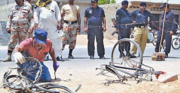 Afganistán, Kabul explosión bicicletas mientras se habla de paz