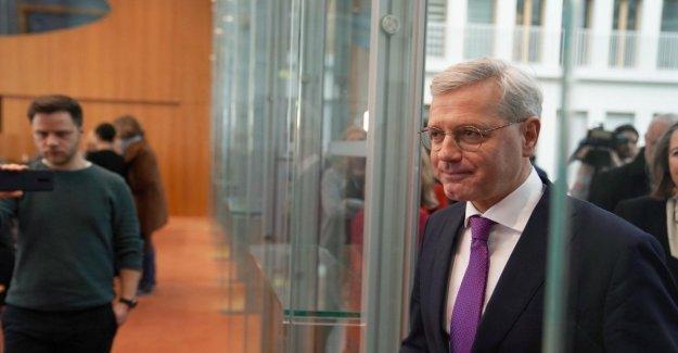 Alemania, después de Merkel a los dirigentes de la Cdu es candida Roettgen