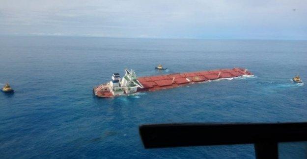 Brasil: el hundimiento de la nave llena de hierro, el temor por el medio ambiente