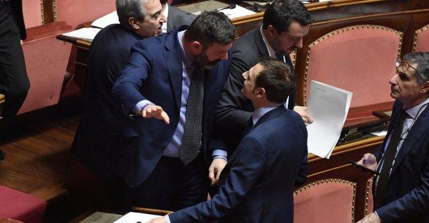 Caso Gregoretti, Salvini establece el fuego en el salón de clases y llegar a las manos