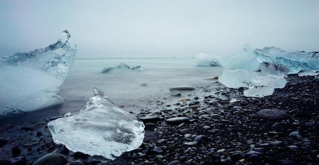 El ártico, las burbujas de metano bajo el permafrost. El hielo se derrite y la liberación de gas