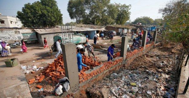 India, una pared para ocultar los pobres: la construcción de lo deseado por Maneras de visitar Trump