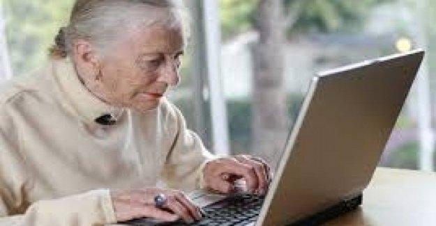 Los mayores de 65 años en la actualidad, más de la mitad de ellos en la facilidad en la sociedad global, el 79% navegar por la red, cala el uso de la TV