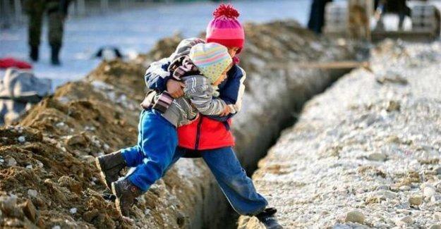 Los niños migrantes, quienes solo, después de la recepción, desaparecen, y si de perdón a las huellas