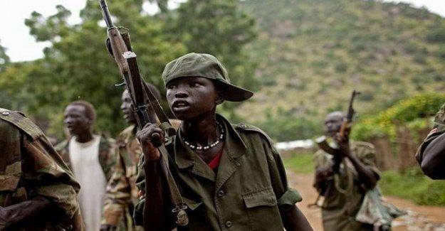 Los niños soldados el Día Internacional contra la utilización de niños soldados: un par de recursos para su reintegración