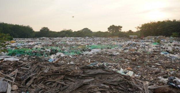 Malasia, un volcado de la italiana de plástico