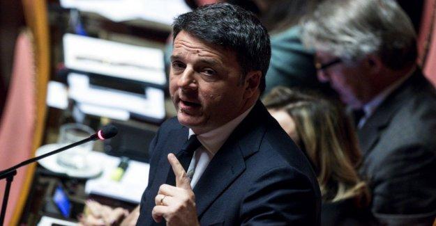 Matteo Renzi contra Michele Emiliano: que Me acusan de ayudar a Salvini, noticias falsas, de los mediocres