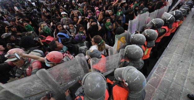 México, no apaciguar la protesta de las mujeres contra el feminicidio: Estamos furiosos con el gobierno y con los medios de comunicación