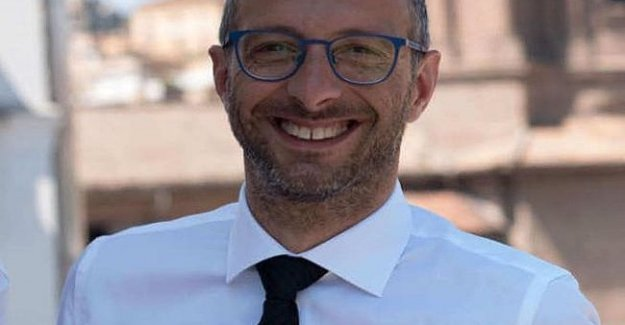 Pesaro, el alcalde, Pd se abre a la junta a que el hotel de Cinco estrellas