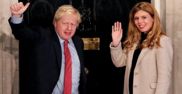 Reino unido, Boris Johnson, y Carrie Symonds esperar que un niño nacido en el verano. Pronto la boda